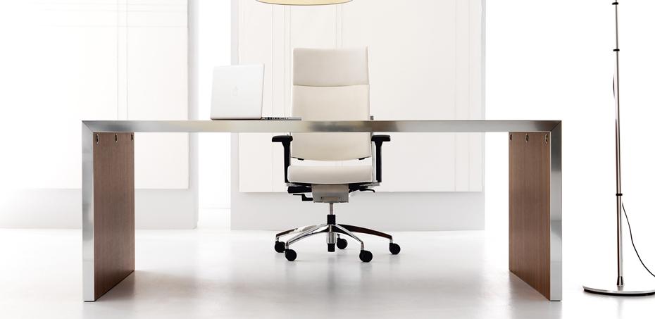 Skrivbord Design Wing av IVM